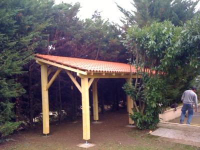 Abris bois de jardin chapente bois traditionnelle chalet - Construction d un abri de jardin en bois ...